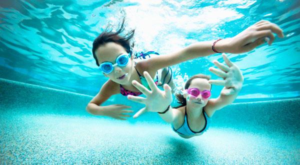 Perder peso rápido com a natação - praticado por todas as idades