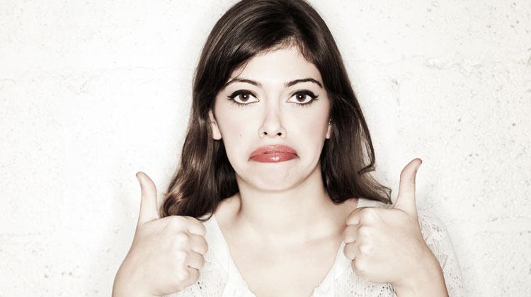 6 tipos de Vampiros emocionais - Pessoa sarcastica foto