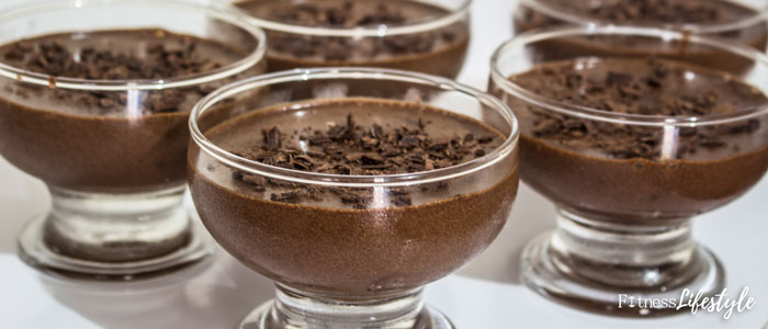 Mousse de chocolate fit sem creme de leite leva apenas 2 ingredientes foto