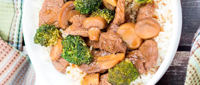 7 receitas deliciosas para uma Ceia de Natal FIT e saudavel - Carne com Brocolis foto